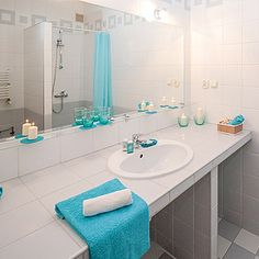 Have Bathroom clutter? - check these instructions on how to declutter Bathroom in 15 minutes or so. These Bathroom organization ideas will help you tidy up. Modern Bathroom Light Fixtures, Contemporary Bathroom Lighting, Bathroom Fixtures, Bathroom Mirrors, Bathroom Scales, Bathroom Green, Narrow Bathroom, Bathroom Showers, Bathroom Kids