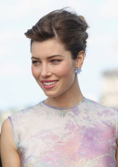 Jessica Biel French Twist
