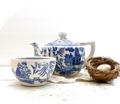 Vintage Blue Willow Teapot and Small Serving by DairyFarmAntiques, $24.95