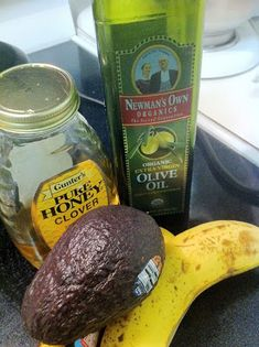 Via Hair and Other Stuff   Michelle writes , I recently did the avocado deep conditioning treatment. I found the recipe on Around the Way Cu...