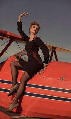 I dig the dress, but I might also just want to hang out on this airplane.
