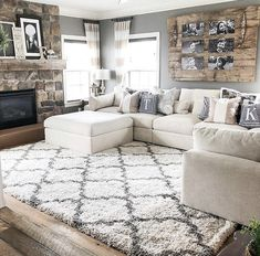 best cozy farmhouse living room decor ideas – page 9 GALLERY WALL IDEA…LOVE! best cozy farmhouse living room decor ideas – page 9 Decor Home Living Room, Small Living Room Design, Cozy Living Rooms, Living Room Interior, Home And Living, Living Room Designs, Living Room With Rug, Living Room With Sectional, Apartment Living