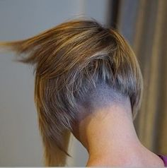 Back view of this fun little edgy bob. Completely disconnected, shaved, and texturized, credit to @choppin_mops #fun#edgy#texture#movement#haircut#shorthair#bobhaircut#shorthair#kashoshears#freshsarasota#choppinmops #undercut #undercutbob #shavednape #sexybob #sexyhair #haircut