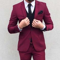 stylish men // mens suit // cool colours // mens fashion // mens wear // urban…