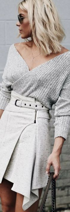 How To Wear Belts - ⛅️ Finish out the summer in white hot style with outfit ideas from my board! ⛅️ - Discover how to make the belt the ideal complement to enhance your figure. Look Fashion, Fashion Outfits, Womens Fashion, Fashion Design, Fashion Fall, How To Wear Belts, Happily Grey, Mode Style, Autumn Winter Fashion