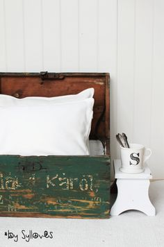 Wellington House, Old Suitcases, Go Green, Crates, Bed Pillows, Pillow Cases, Trunks, Boxes, Bedroom