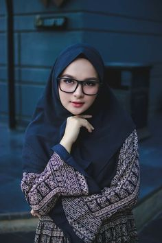 Muslim Girls, Muslim Women, Beautiful Hijab, Most Beautiful, Blonde Beauty, Hair Beauty, Hijab Chic, Girl Hijab, Girls Image