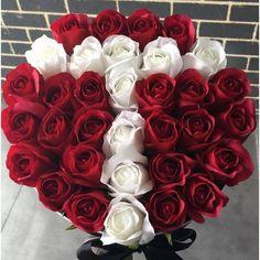 Ideas For Flowers Arrangements Box Roses Flower Bouquet Boxes, Flower Box Gift, Floral Bouquets, My Flower, Flower Art, Funeral Floral Arrangements, Flower Arrangements, Birthday Bouquet, Box Roses