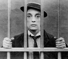 El 04 de octubre de 1895 nace Buster Keaton en Piqua, KS, USA. Está en el podio de los dos o tres mas grandes cineastas estadounidense