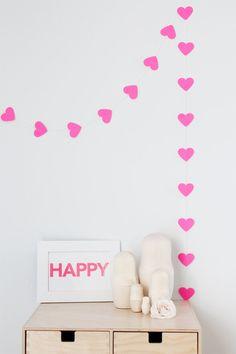 Neon Pink heart garland. €8.00, via Etsy.