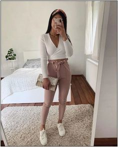 fashion-dresses Source by perfectcupoftea Dresses 2019 Mode casual Dresses fashiondresses Jugendmode Outfit ideen perfectcupoftea Source Cute Casual Outfits, Girly Outfits, Mode Outfits, Cute Summer Outfits, Simple Outfits, Spring Outfits, Autumn Outfits, Casual Dresses, Mode Bcbg