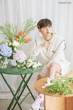 makestar with 🌼 Jaehwan Wanna One, Fashion Idol, Kim Jaehwan, Kpop, Jinyoung, Korean Singer, Photo Book, Flower Girl Dresses, Life