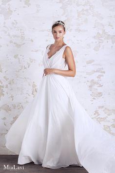 Romantic wedding dress 1717, Mia Lavi 2017