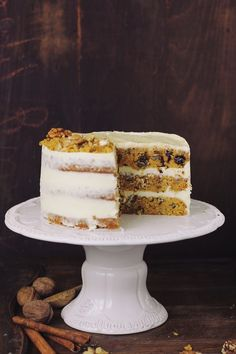 Carrot cake with cheese cream Food Cakes, Chef Recipes, Quick Bread, Carrot Cake, Raisin, Delicious Desserts, Carrots, Icing, Deserts