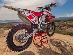 We ride the Factory Honda CRF450X that Ricky Brabec uses to tackle the high speeds of the AMA Hare & Hound desert series.