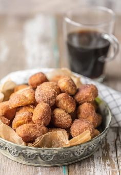 CINNAMON SUGAR BISCUIT BITES are the perfect breakfast, dessert, or snack for any time of day! These crispy Cinnamon Sugar Biscuit Bites are easy, delicious, and so fun. Breakfast And Brunch, Breakfast Dessert, Perfect Breakfast, Breakfast Recipes, Dessert Recipes, Breakfast Energy, Dinner Dessert, Cinnamon Bites Recipe, No Sugar Foods