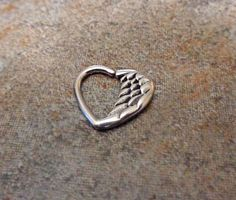 Heart wing Ring can be use for Cartilage Helix Ear Cuff Conch Snug Bar Length : 10 mm Gauge : Rook Jewelry, Rook Earring, Jewlery, Jewelry Box, Labret Piercing, Piercing Tattoo, Cartilage Piercings, Gauges, Conch