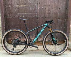 Mtb Bike, Bike Trails, Cycling Bikes, Xc Mountain Bike, Best Mountain Bikes, Bicycle Art, Bicycle Design, Bianchi Methanol, Hardtail Mtb