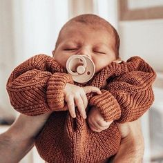Cute Baby Pictures, Baby Photos, Little Babies, Baby Kids, Baby Baby, Cute Little Baby, Baby Shop Online, Foto Baby, Everything Baby