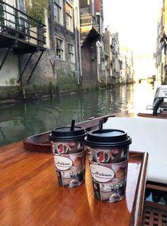Geniet van een mooie rondvaart met lekkers van Coffeelicious aan boord! 👌🏼