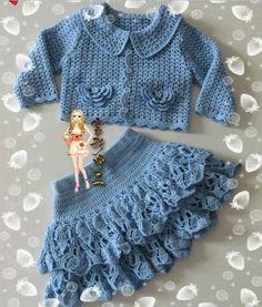 Mis Pasatiempos Amo el Crochet: Conjunto azul de niña saco y falda
