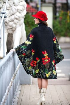 Купить Пальто-пончо  Осенние искры - авторская одежда, валяное пончо, модное пончо