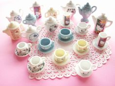 Kawaii Cute Hello Kitty Miniature Ceramic Tea Set Collection Sanrio | Flickr - Photo Sharing!
