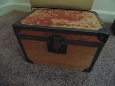 Antique Train Case with Removable Tray Insert by BabyBAntiques