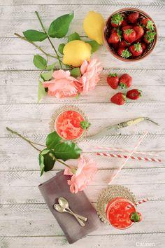 Limonada de fresa y agua de rosas - Strawberry and rose water lemonade - No quieres caldo? ... Pues toma 2 tazas