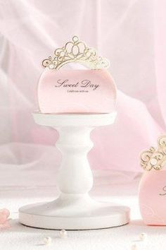 Don't miss the ultimate Sweet 16 party favor idea... Everyone will feel like a princess going home with one of these stunning Sweet 16 tiara party favor boxes. Fill it with lots of full of goodies, such as jewelry, nail polish, or other fun girly items. #catchmyparty #partyideas #sweet16 #sweet16partysupplies #girlbirthdayparty #sweet16favorboxes Wedding Favors And Gifts, Wedding Gift Card Box, Wedding Candy Boxes, Wedding Bag, Wedding Ideas, Sweet 16 Party Supplies, Baby Shower Party Supplies, Princess Favors, Pink Princess