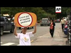 Mimes make silent mockery of those who flout traffic laws - YouTube