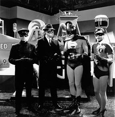 Kato (Bruce Lee), The Green Hornet (Van Williams), Batman (Adam West), and Robin (Burt Ward) try to solve a crime that has brought the Green Hornet to Gotham City. Adam West Batman, Batman Robin, Real Batman, Batman Tv Show, Batman Tv Series, Batman 1966, Im Batman, Superman, Bruce Lee