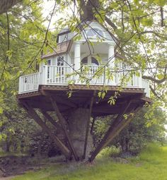 Tree Home Pictures! This is a collection of Tree house pictures that are worthy of living in. A Dreamers Dream! Cubby Houses, Play Houses, Cave Houses, Dream Houses, Treehouse Hotel, Treehouse Company, Treehouse Ideas, Cool Tree Houses, Weird Houses
