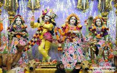 To view Radha Gopinath Lalita Vishakha Wallpaper of ISKCON Chowpatty in difference sizes visit - http://harekrishnawallpapers.com/sri-sri-radha-gopinath-lalita-vishakha-wallpaper-052/