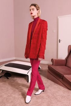 See the complete Stella McCartney Pre-Fall 2017 collection.