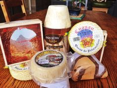 'Pack 2 Quesos Peñamellera' Un queso elaborado con leche de vaca, de pasta blanda y florida, suave pero muy rico en matices.  http://www.mumumio.com/tienda/exclusivas-luis-vega/queso-de-penamellera/pack-2-quesos-penamellera