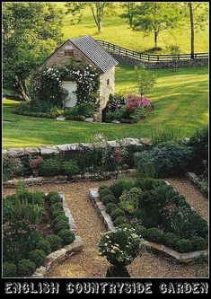 Beautiful Country Garden in England | Content in a Cottage