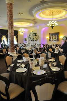 Brown and ivory wedding table