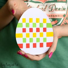 We have a yet another wonderful Easter craft for preschool and kindergarten to share with you – a fun Easter egg paper weaving craft (with template) that gives a great fine motor skills workout. So fun and so colorful! *this post contains affiliate links* We love crafts that give something extra, and this simple and …