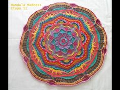 CAL Mandala Madness 1 paso a paso en español - YouTub Crochet Shawl Diagram, Crochet Mandala Pattern, Crochet Square Patterns, Crochet Kids Hats, Yarn Ball, Crochet Pillow, Knitting, Youtube, Sweet Caroline