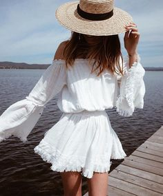 7 Amazing Spring and Summer Outfits to pack now Casual Fashion Trends Collection. Love this outfit. The Best of summer outfits in Look Boho Chic, Looks Chic, Bohemian Style, Bohemian Summer, Bohemian Dresses, Boho Fashion, Fashion Looks, Womens Fashion, Fashion Trends