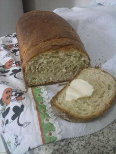 Pão Caseiro Fácil - http://www.tuasreceitas.com.br/r/p%C3%A3o-caseiro-f%C3%A1cil-26696007.html
