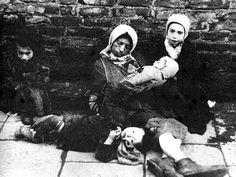 Shoah - The Holocaust - Warsaw Ghetto