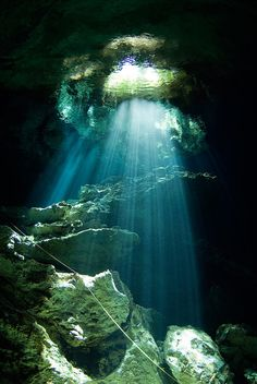 Cenote Kukulcan en la Riviera Maya, México