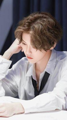 Park Chanyeol, Baekhyun Chanyeol, Hunhan, Exo Ot12, Happy Pictures, Beautiful Pictures, Beautiful People, Damon Salvatore, Luhan Weibo