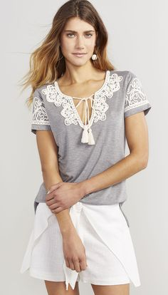 T-SHIRT ARABESCO - Shoulder