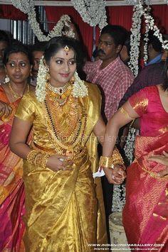 South Indian Actress Photo, Indian Actress Hot Pics, Indian Actress Gallery, Indian Actresses, Kerala Jewellery, Saree Jewellery, Indian Jewellery Design, Jewellery Designs, Gold Jewellery