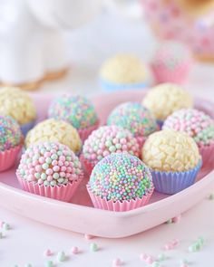 Feliz doce dia do confeiteiro ? Feliz doce dia do confeiteiro ? Cake Pops, Slow Cooker Desserts, Cute Desserts, Ice Cream Party, Ice Cream Theme, Candy Party, Party Treats, Unicorn Birthday Parties, Birthday Desserts