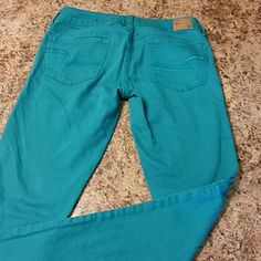 American eagle jeans size 2. Skinny stretch Teal in color. American Eagle size 2 skinny jeans. Stretch. American Eagle Outfitters Jeans Skinny