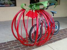 Rastrelliere bici strane e divertenti - Creative and funny bicycle racks 10 - pomodoro tomato